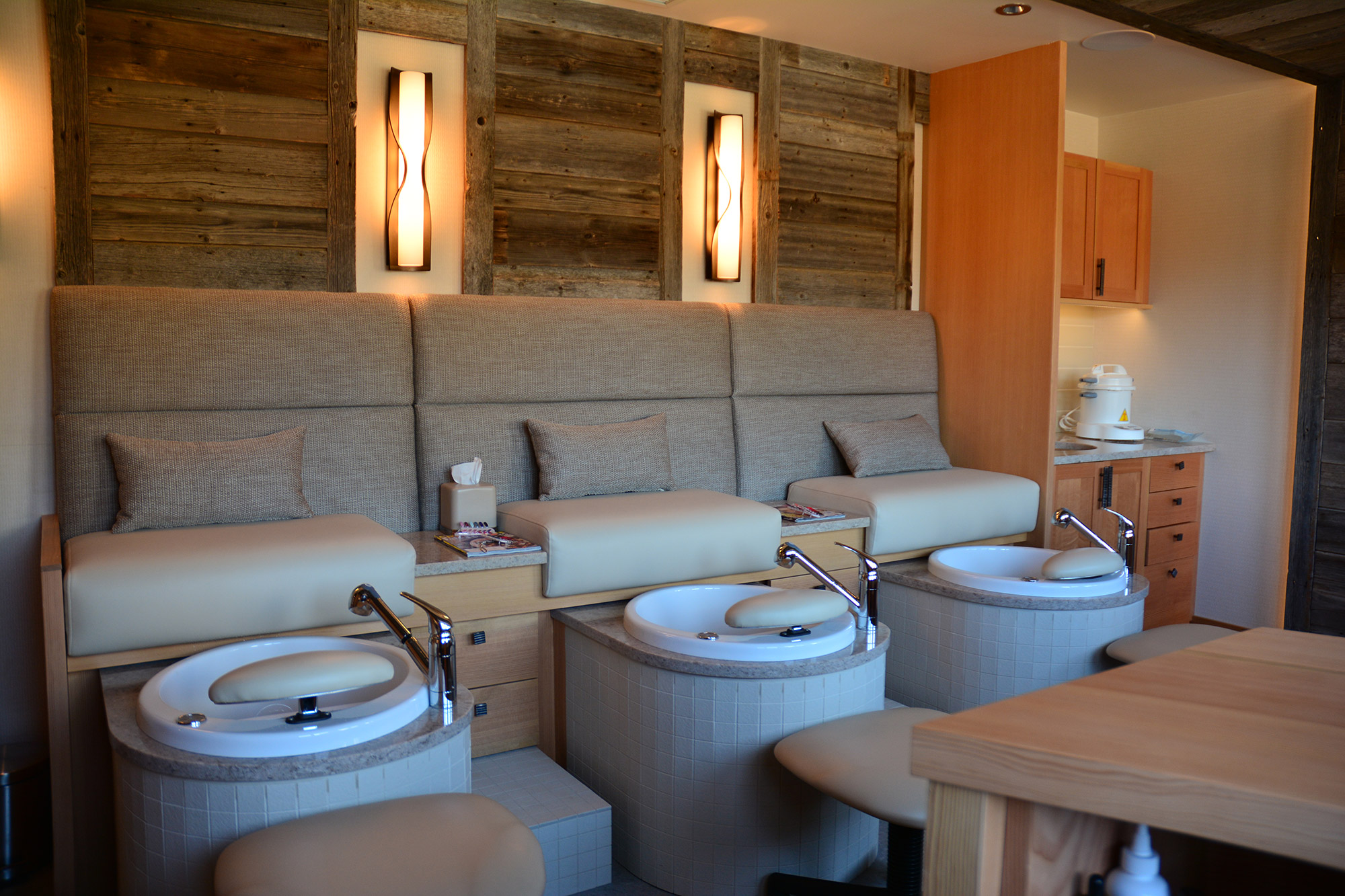 Pedicure & Manicure Room