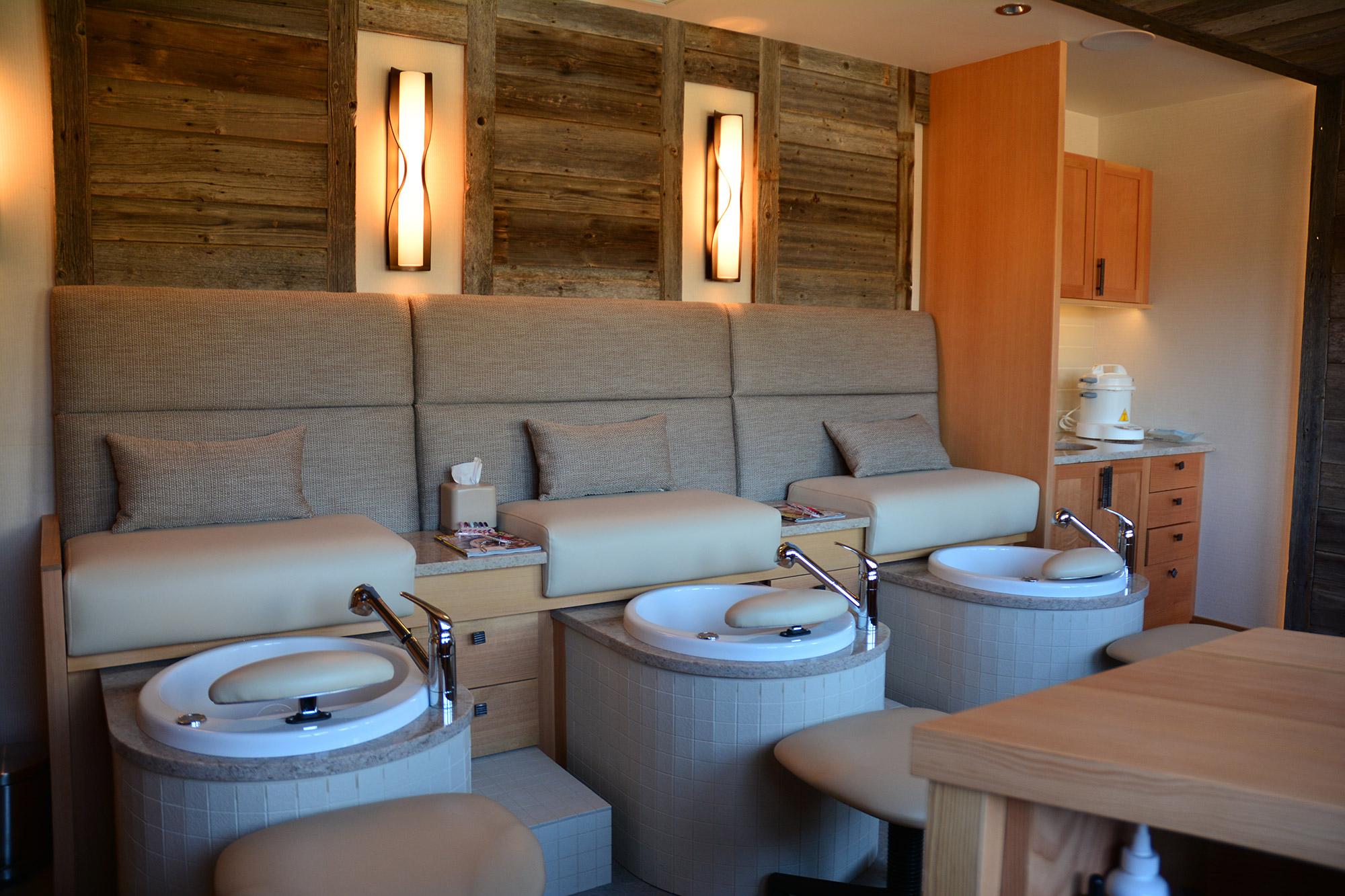 Pedicure & Manicure Room